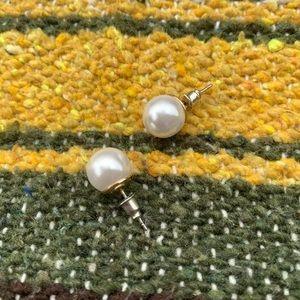 •pearl earrings•